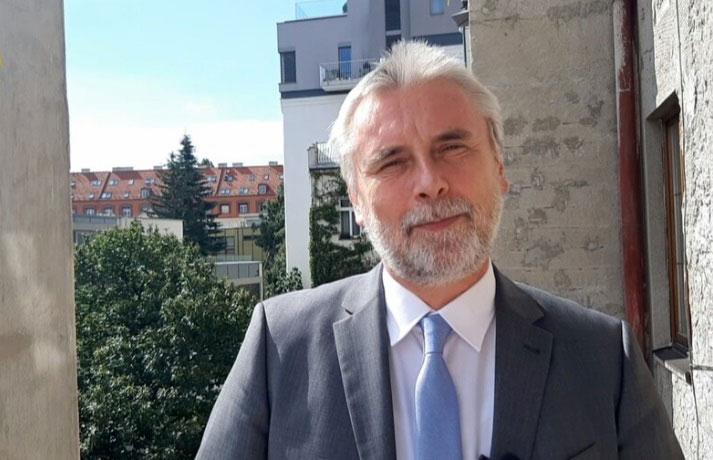 Správna rada ASloZ: generálny biskup manipuluje evanjelickú verejnosť