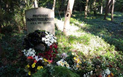 Fatálne zlyhanie cirkvi vNemecku: do hrobu protestantského vedca umožnili pochovať pravicového extrémistu
